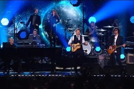 "Ed Sheraan feat. ELO ""Mr Blue Sky"" - Grammy Awards 2015"